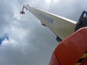 Der JLG Ultraboom 1850SJ beeindruckt durch seine Plattformhöhe von 56,56 m. Auch im Rahmen der APEX gab es viele Interessenten für diese Arbeitsbühne
