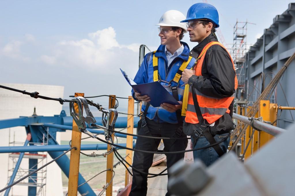 Sicherheit für die Mitarbeiter und Umweltschutz sind bei Bauprojekten wichtige Aufgabengebiete (Foto: TÜV Rheinland)