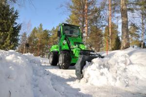 Mit der winterfesten Kabine und hervorragender Technik sind die Avant-Multifunktionslader bestens für den Winterdienst ausgerüstet