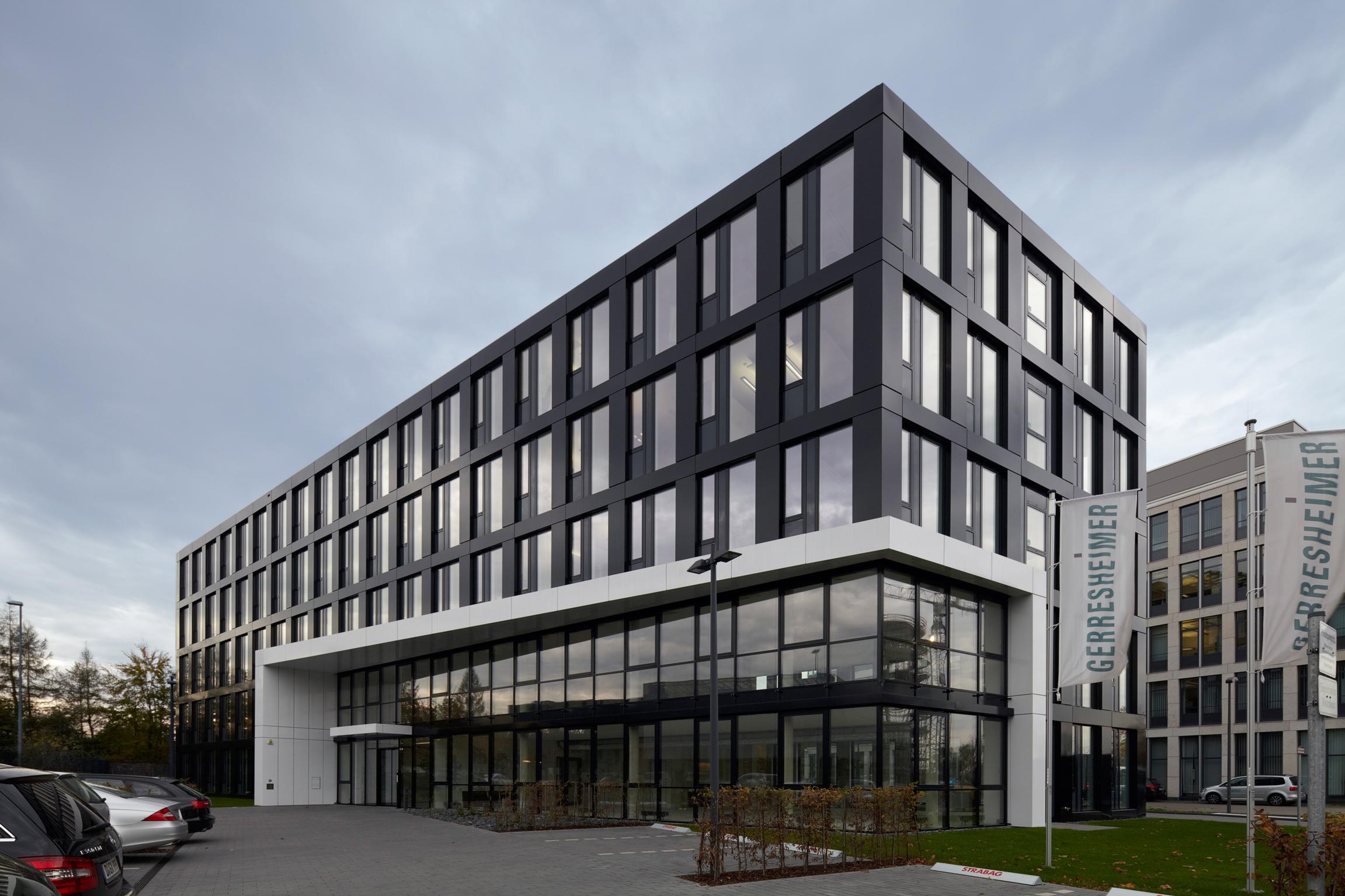 Fassade bürogebäude  Bürofassade | Office | Pinterest | Bürogebäude, Düsseldorf und ...