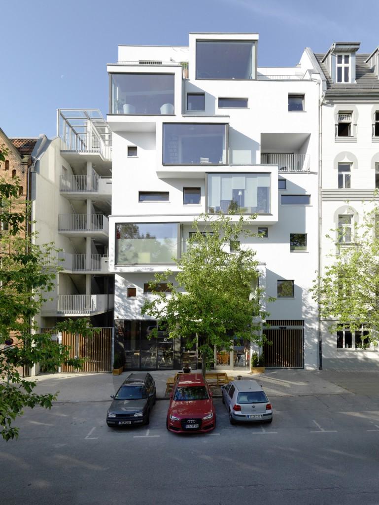 Das Gesundheits-, Bildungs- und Familienzentrum Haus C13 im Berliner Stadtteil Prenzlauer Berg gilt als eines der höchsten Holzhäuser Deutschlands. (Copyright: Bernd Borchardt)