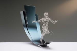 Alle Preisträger erhalten als Sachpreis eine von der Heidelberger Künstlerin Stefanie Welk geschaffene Stahl-Skulptur (Quelle: Wirtschaftsvereinigung Stahl)