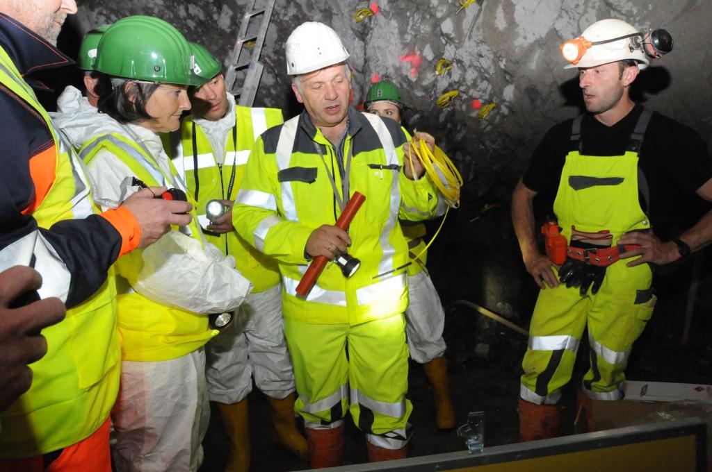 Bildnummer 7 Sichtlich begeistert zeigte sich Regierungspräsidentin Bärbel Schäfer während ihres Besuchs in der Grube Clara  in Oberwolfach Foto: ISTE