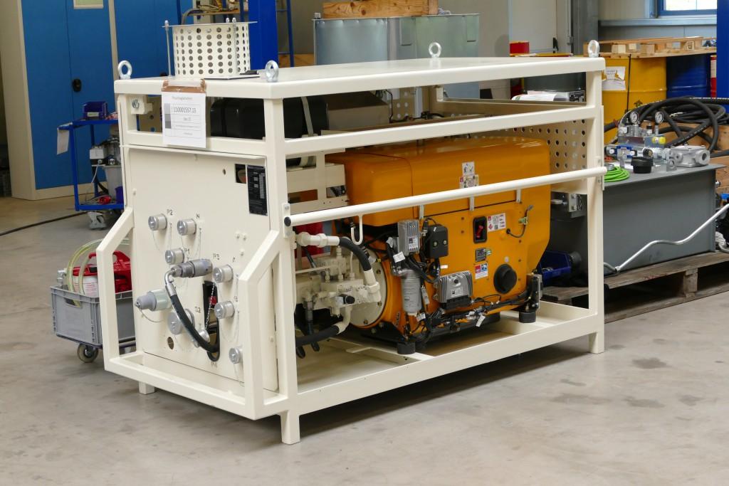 Dieses Aggregat, ausgerüstet mit dem Hatz Dieselmotor, wird an die Hydraulik des Fahrzeugkrans angeschlossen. Im Notfall hält es den Kran beweglich