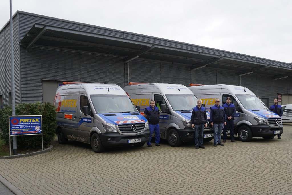 Serviceflotte und Team Pirtek Magdeburg
