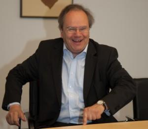 Dr. Wolfgang Bayer